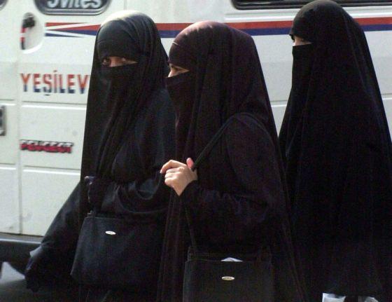 779px-niqab