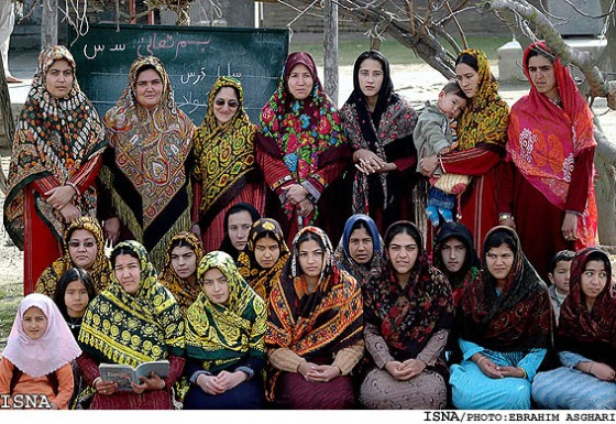 literacy-class-turkmens-iran21