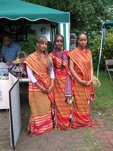 (3 Somali girls)