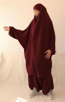 (Burgundy jelbab set, Mimoza hijab)